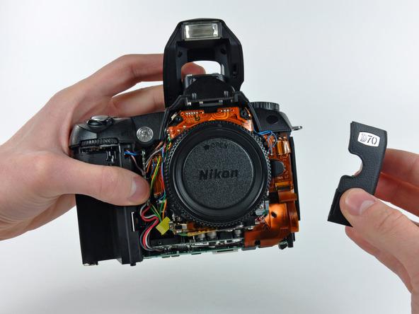Как разобрать фотоаппарат Nikon D70 для замены различных компонентов (42)