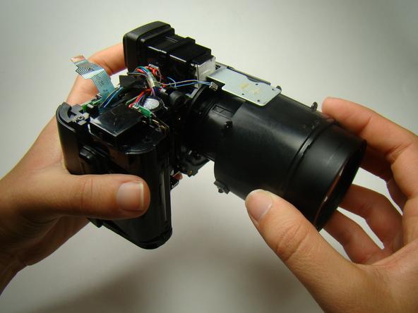 Как разобрать фотоаппарат Nikon Coolpix E5700 для замены различных компонентов (33)