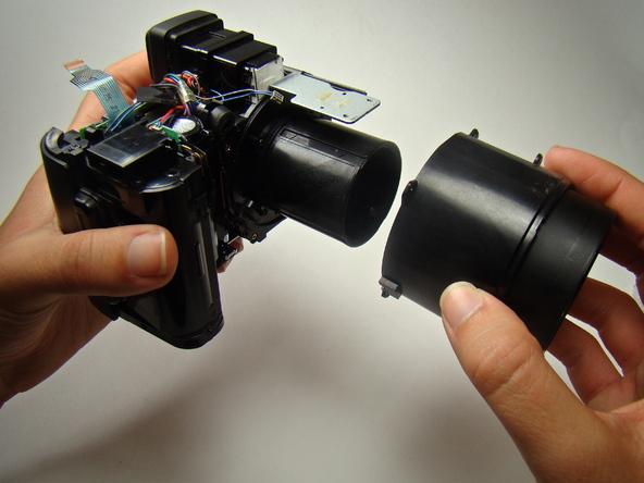Как разобрать фотоаппарат Nikon Coolpix E5700 для замены различных компонентов (34)