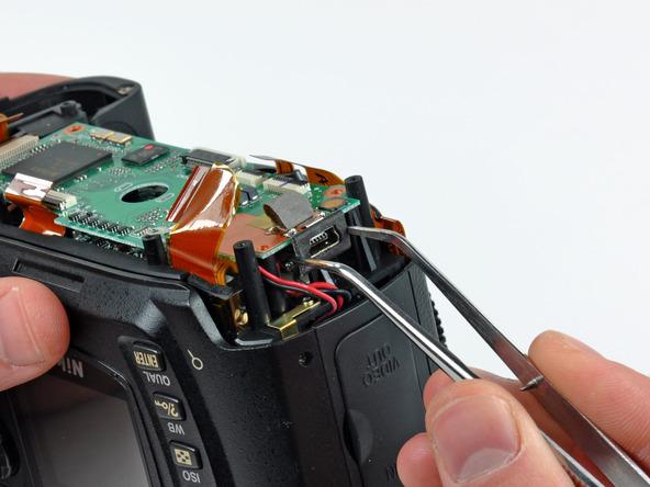Как разобрать фотоаппарат Nikon D70 для замены различных компонентов (77)