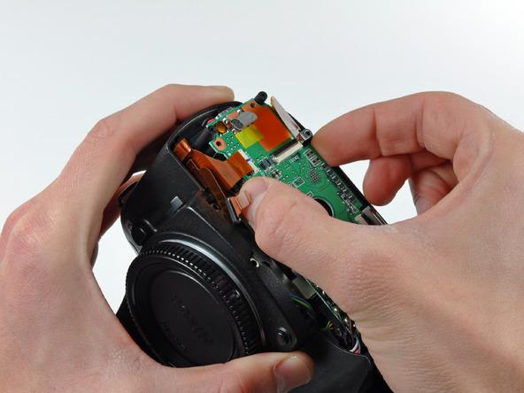 Как разобрать фотоаппарат Nikon D70 для замены различных компонентов (78)