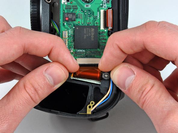 Как разобрать фотоаппарат Nikon D70 для замены различных компонентов (73)