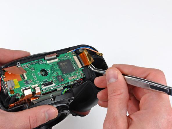 Как разобрать фотоаппарат Nikon D70 для замены различных компонентов (74)