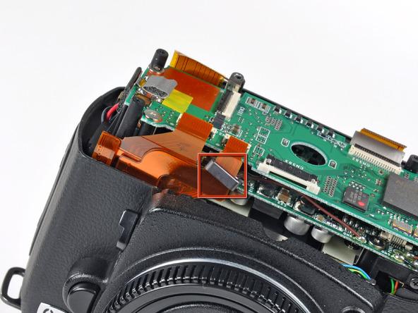 Как разобрать фотоаппарат Nikon D70 для замены различных компонентов (75)