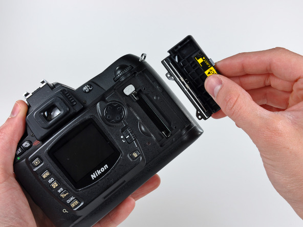 Как разобрать фотоаппарат Nikon D70 для замены различных компонентов (83)