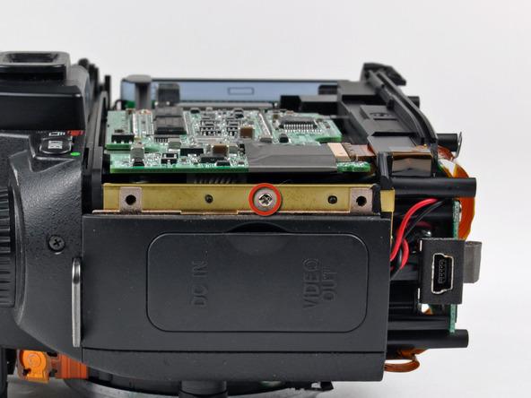 Как разобрать фотоаппарат Nikon D70 для замены различных компонентов (84)