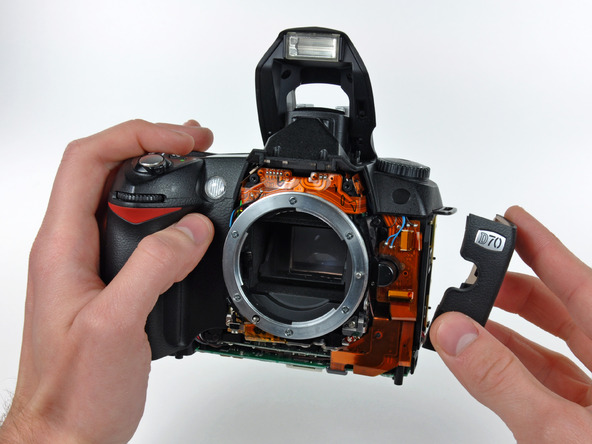 Как разобрать фотоаппарат Nikon D70 для замены различных компонентов (85)