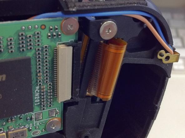 Как разобрать фотоаппарат Nikon D70 для замены различных компонентов (101)