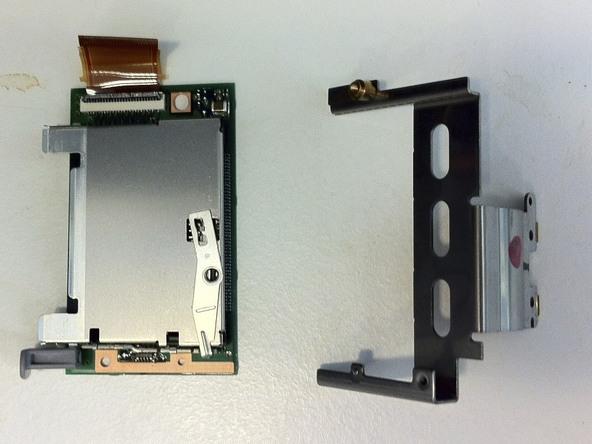 Как разобрать фотоаппарат Nikon D70 для замены различных компонентов (105)