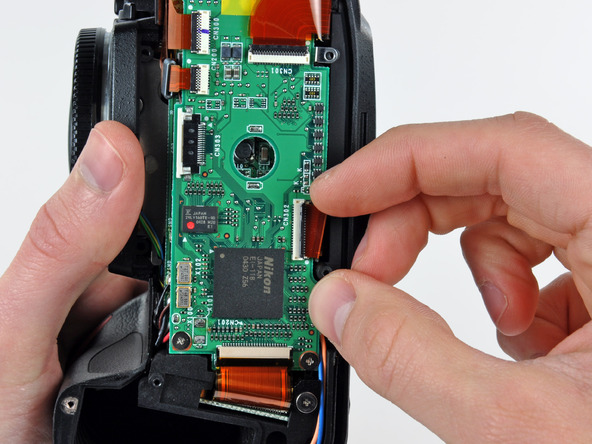 Как разобрать фотоаппарат Nikon D70 для замены различных компонентов (89)