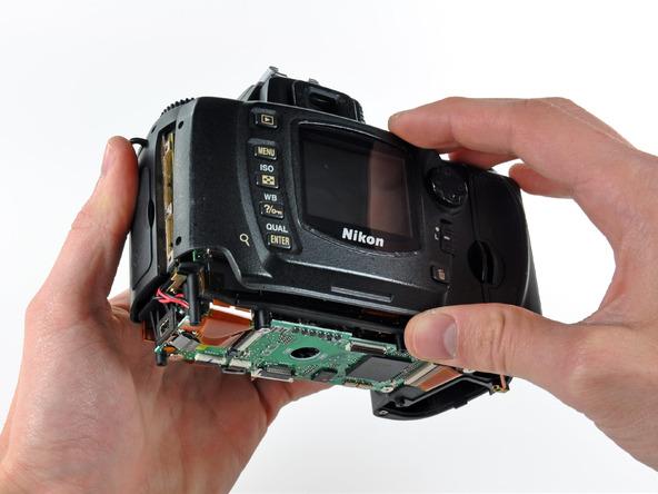 Как разобрать фотоаппарат Nikon D70 для замены различных компонентов (92)