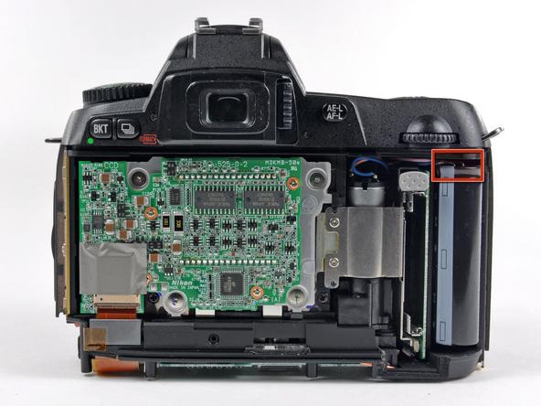 Как разобрать фотоаппарат Nikon D70 для замены различных компонентов (93)