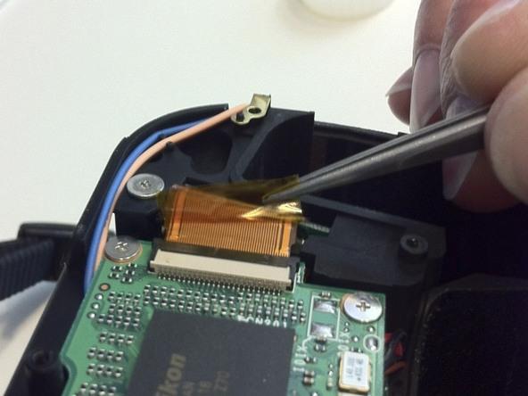 Как разобрать фотоаппарат Nikon D70 для замены различных компонентов (96)