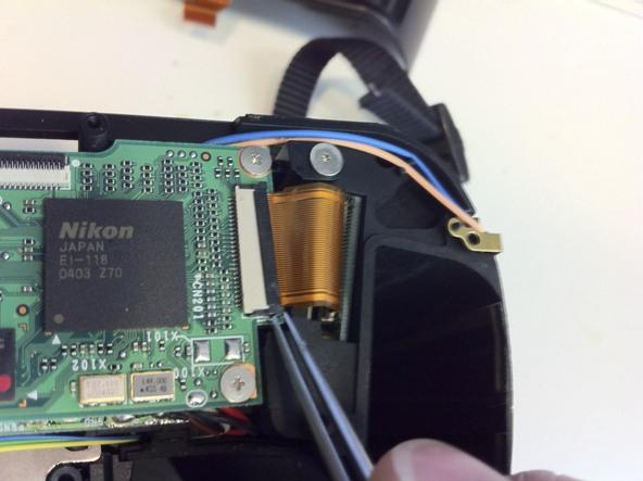 Как разобрать фотоаппарат Nikon D70 для замены различных компонентов (98)