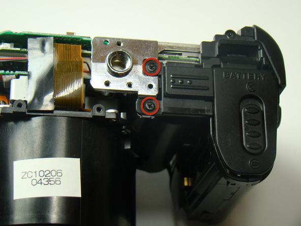 Как разобрать фотоаппарат Nikon Coolpix E5700 для замены различных компонентов (35)