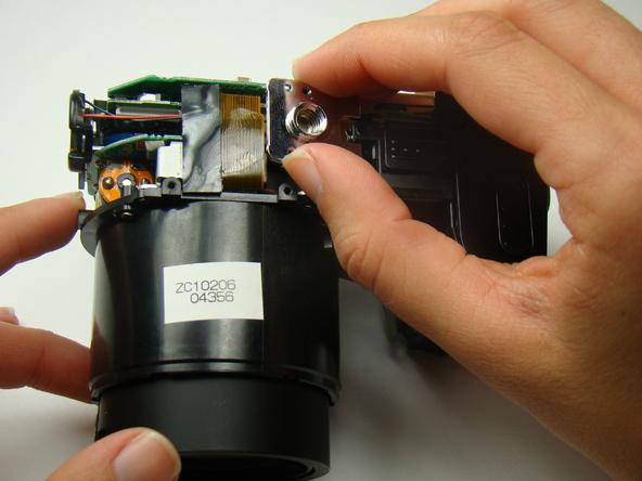 Как разобрать фотоаппарат Nikon Coolpix E5700 для замены различных компонентов (36)