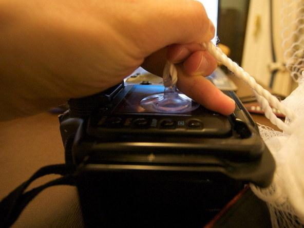 Как заменить защитное стекло для ЖК-экрана фотоаппарата Canon EOS 5D / 5D Mark II (3)