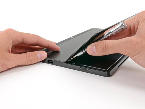 Как разобрать планшет Microsoft Surface (8)