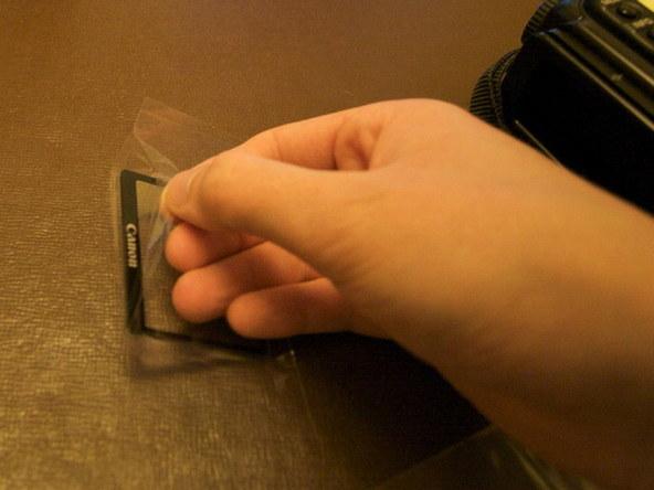 Как заменить защитное стекло для ЖК-экрана фотоаппарата Canon EOS 5D / 5D Mark II (10)