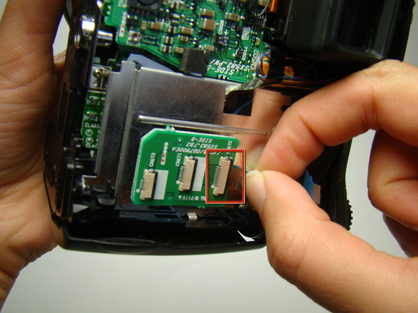 Как разобрать фотоаппарат Nikon Coolpix E5700 для замены различных компонентов (52)