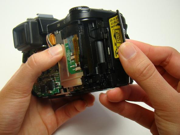 Как разобрать фотоаппарат Nikon Coolpix E5700 для замены различных компонентов (42)