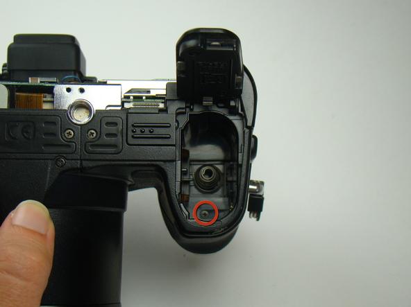 Как разобрать фотоаппарат Nikon Coolpix E5700 для замены различных компонентов (48)