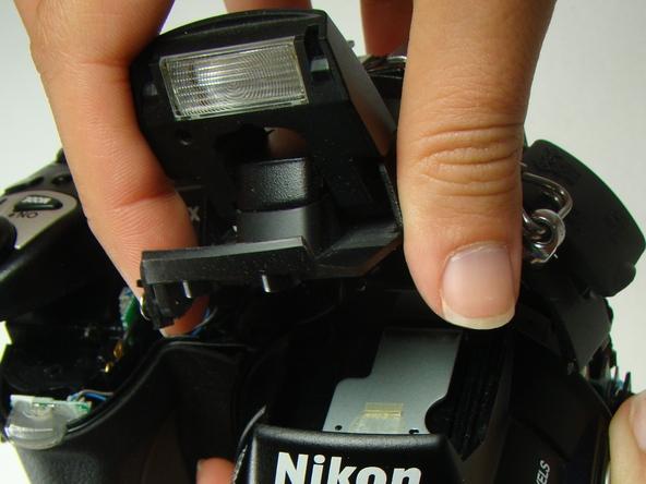 Как разобрать фотоаппарат Nikon Coolpix E5700 для замены различных компонентов (49)