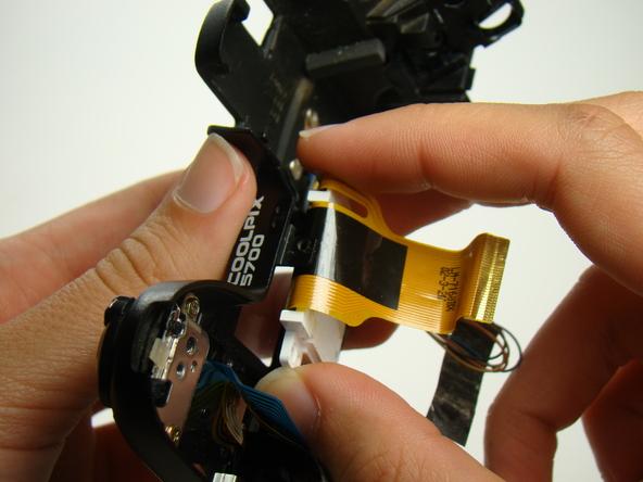 Как разобрать фотоаппарат Nikon Coolpix E5700 для замены различных компонентов (60)