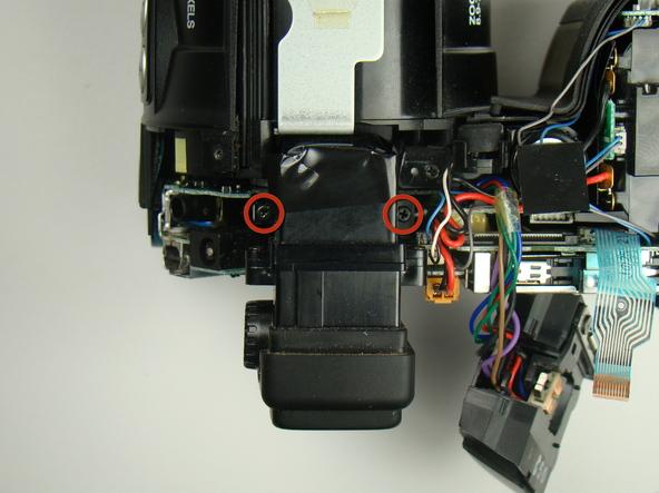 Как разобрать фотоаппарат Nikon Coolpix E5700 для замены различных компонентов (62)