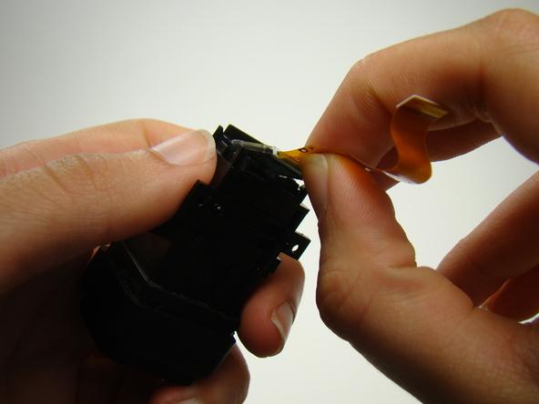Как разобрать фотоаппарат Nikon Coolpix E5700 для замены различных компонентов (71)