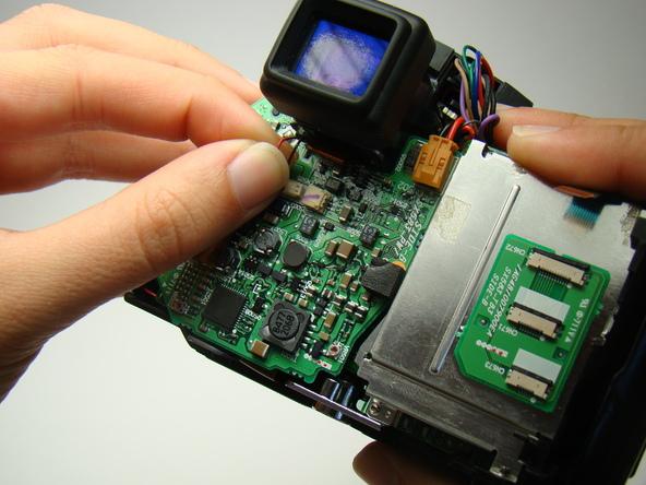 Как разобрать фотоаппарат Nikon Coolpix E5700 для замены различных компонентов (63)