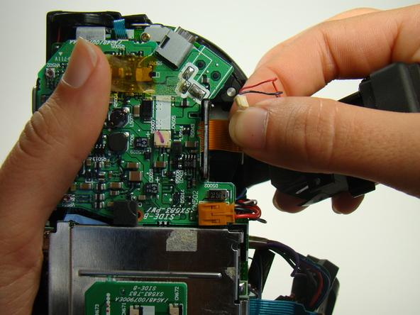 Как разобрать фотоаппарат Nikon Coolpix E5700 для замены различных компонентов (65)