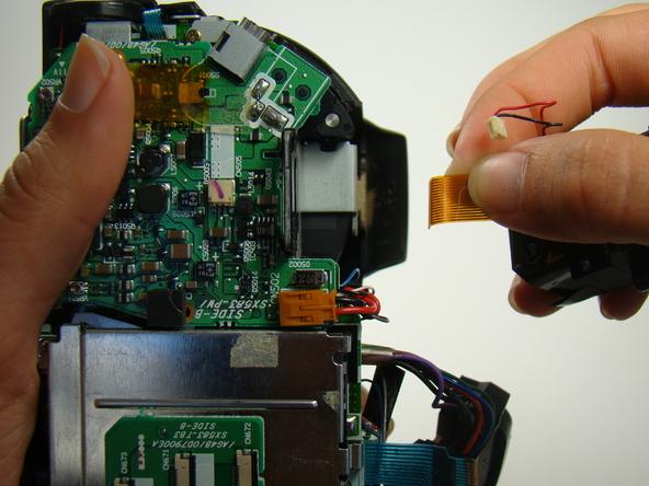 Как разобрать фотоаппарат Nikon Coolpix E5700 для замены различных компонентов (66)
