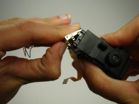 Как разобрать фотоаппарат Nikon Coolpix E5700 для замены различных компонентов (69)