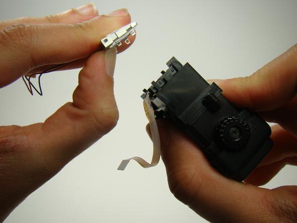 Как разобрать фотоаппарат Nikon Coolpix E5700 для замены различных компонентов (70)