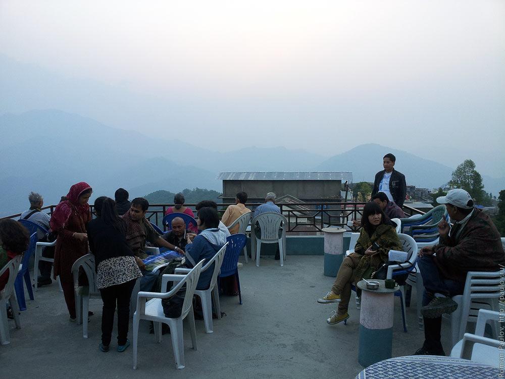 Восход над Гималайями с холма Сарангкот в Непале (3)