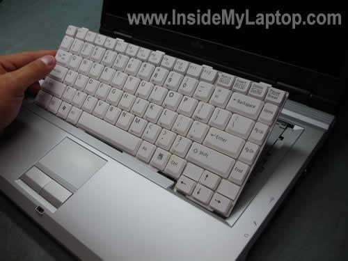 Как разобрать ноутбук Fujitsu LifeBook серии V (14)