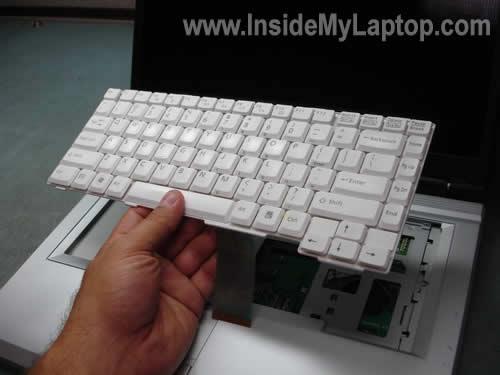 Как разобрать ноутбук Fujitsu LifeBook серии V (16)