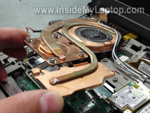 Как разобрать ноутбук Lenovo ThinkPad T61 для замены кулера (17)