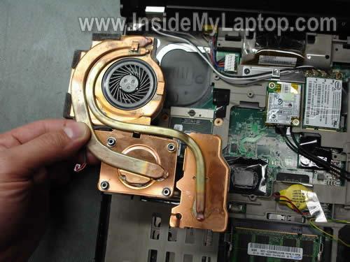 Как разобрать ноутбук Lenovo ThinkPad T61 для замены кулера (18)