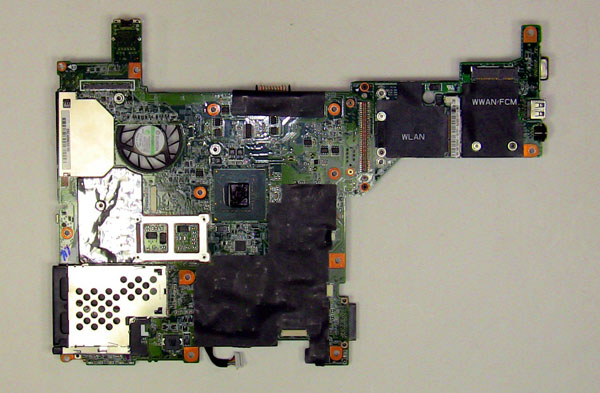 Как разобрать ноутбук Dell Inspiron 1420 / Vostro 1400: замена динамиков (6)