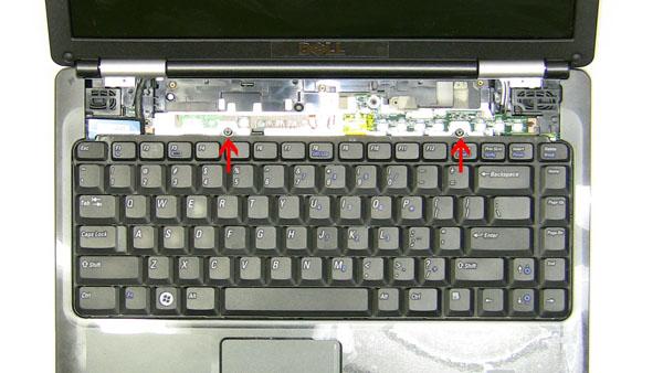 Как разобрать ноутбук Dell Inspiron 1420 / Vostro 1400: замена упора для рук с тачпадом (7)