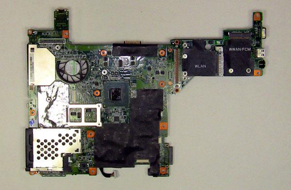Как разобрать ноутбук Dell Inspiron 1420 / Vostro 1400: замена материнской платы (21)