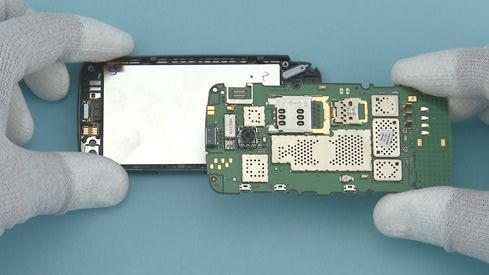 Как разобрать телефон Nokia Asha 311 / 3110 (24)