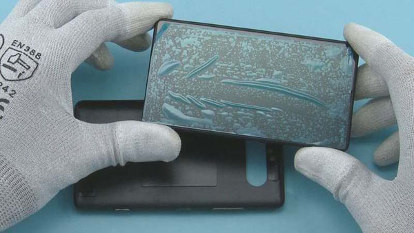 Как разобрать телефон Nokia Lumia 820 (7)