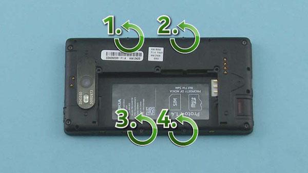 Как разобрать телефон Nokia Lumia 820 (9)