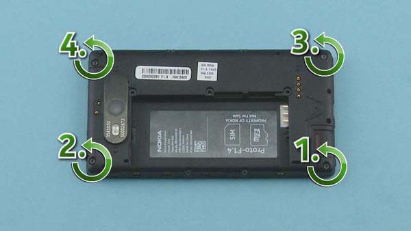 Как разобрать телефон Nokia Lumia 820 (10)