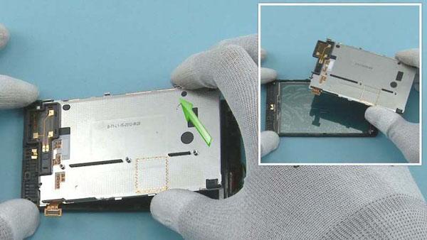 Как разобрать телефон Nokia Lumia 820 (24)