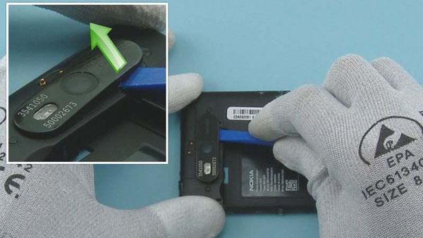 Как разобрать телефон Nokia Lumia 820 (26)