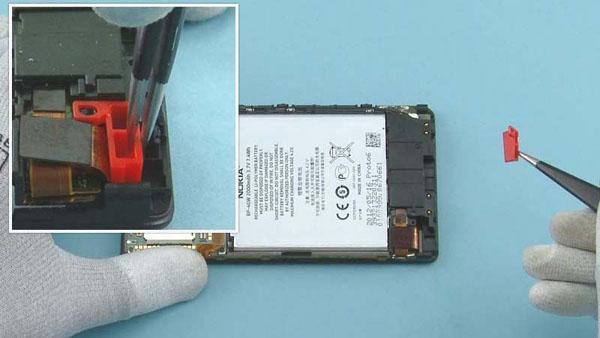Как разобрать телефон Nokia Lumia 920 (44)